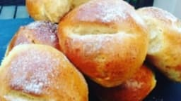 Des pains au lait délicieux pour le petit déjeuner