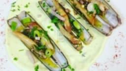 Les couteaux marinés au basilic