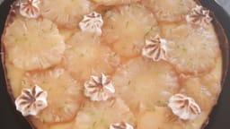 Tarte à l'ananas rôti et pineapple curd avec une meringue à l'italienne