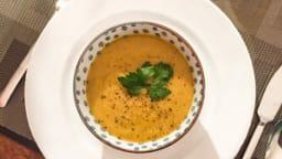 Soupe de patate douce, chou, fenouil, carotte et lentilles corail