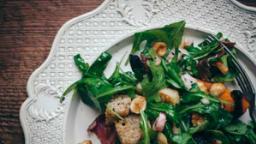 Salade panzanella d'automne au potimarron rôti