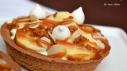 Tartelettes spéculoos à la banane et au caramel beurre salé