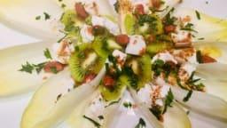 Salade fraîche d'endives et de kiwis