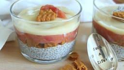 Parfaits rhubarbe, graines de chia, speculoos et vanille