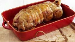 Canard désossé farci au foie gras et au pain d'épices
