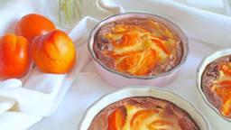 Clafoutis aux abricots, amande et fleur d'oranger