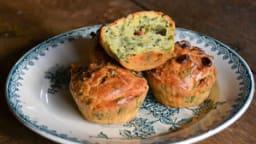 Mini cakes au chou kale, bettes, fromage frais et pignons