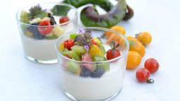 Panna cotta salée à la feta façon salade grecque
