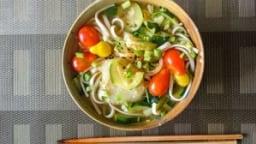 Soupe miso de udons aux légumes