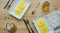 Carpaccio d'ananas au miel et aux épices