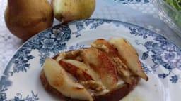 Tartine de camembert et poires