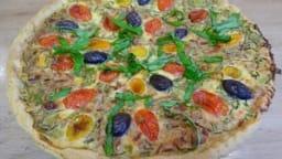 Tarte au thon, poivrons, tomates et ciboulette, piment d'Espelette