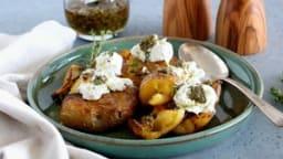 Pommes de terre écrasées au four, burrata et pesto