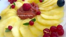 Rosace de pommes confites au coulis de figues
