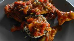 Poulet, quinoa, sauce poivron