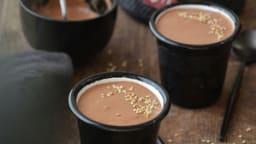 Crèmes crues au chocolat et sésame