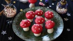 Meringues comme des champignons vénéneux