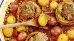 Fonds d'artichauts farcis mijotés en sauce tomate