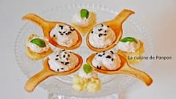 Amusette garnie de crème de foie de morue et toast au pâté de campagne au foie gras