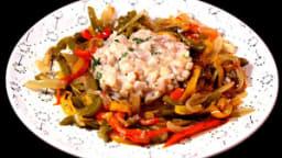 Tartare d'espadon aux épices et agrumes, salade de poivrons
