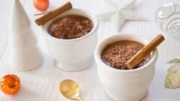 Crème dessert au chocolat au lait et à la cannelle