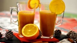 Jus d'orange chaud aux épices de Noël - L'Entracte Gourmand