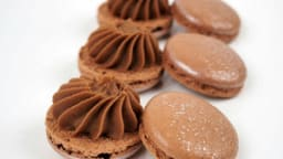 Macaron chocolat marron