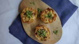 Mini-quiches au chou-fleur, feta et origan