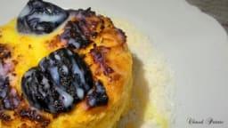 Pudding au lait de noix de coco et aux prunes sèches