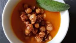Soupe de butternut aux pois chiches épicées