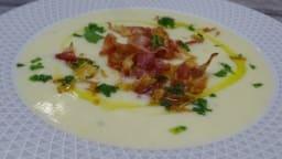 Velouté de panais à la pancetta grillée, huile truffée