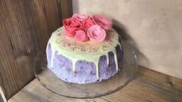 Layer cake aux myrtilles et à la rose