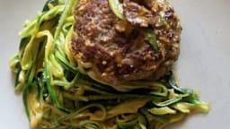Burger aux spaguetti de courgettes