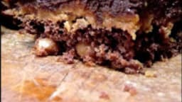 Brownies trois couches au beurre de cacahuètes