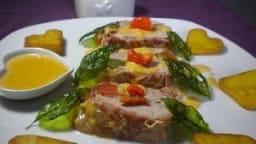 Filet mignon farci en croûte de pancetta et ses cristallines de basilic