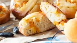 Escargots Briochés Abricots et Crème à la fève de Tonka