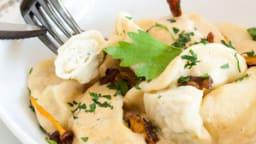 Ravioles au Poulet et Crème de Craquerelles