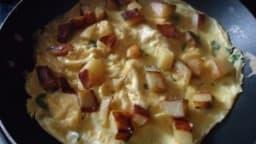Omelette aux pommes de terre et au basilic