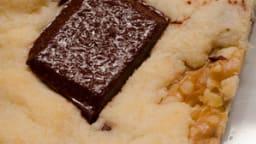 Triangles au chocolat noir et au noix