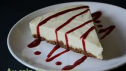 Cheesecake speculoos chocolat blanc et coulis framboise