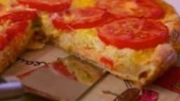 Tarte aux poireaux, saumon, tomates et mascarpone