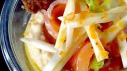 Saumon gravlax, purée de pois chiches, sablé au cumin
