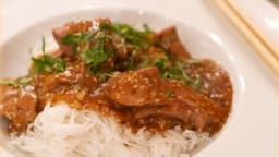 Aiguillettes de canard caramélisées au wok