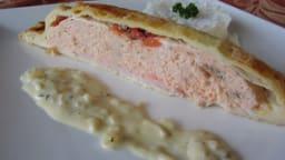 Feuilleté de saumon , sauce crémeuse à l'estragon