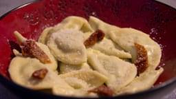 Raviolis farcis à la ricotta, aux épinards et aux tomates séchées