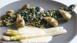 Maquereau aux algues wakame, asperges et artichauts poivrade