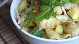 Salade de pâtes – Poulet, courgette, sésame