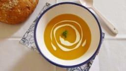 Velouté de carottes et patates douces au lait de coco et curcuma
