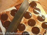 Moulage des chocolats fourrés - Etape 8