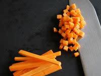 Tailler une brunoise de carotte (vidéo)